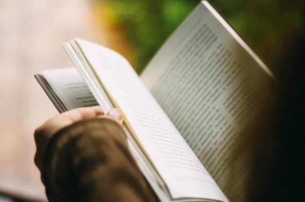 チェッグ|教科書レンタルに強みを持つ、オンライン教育サービス企業